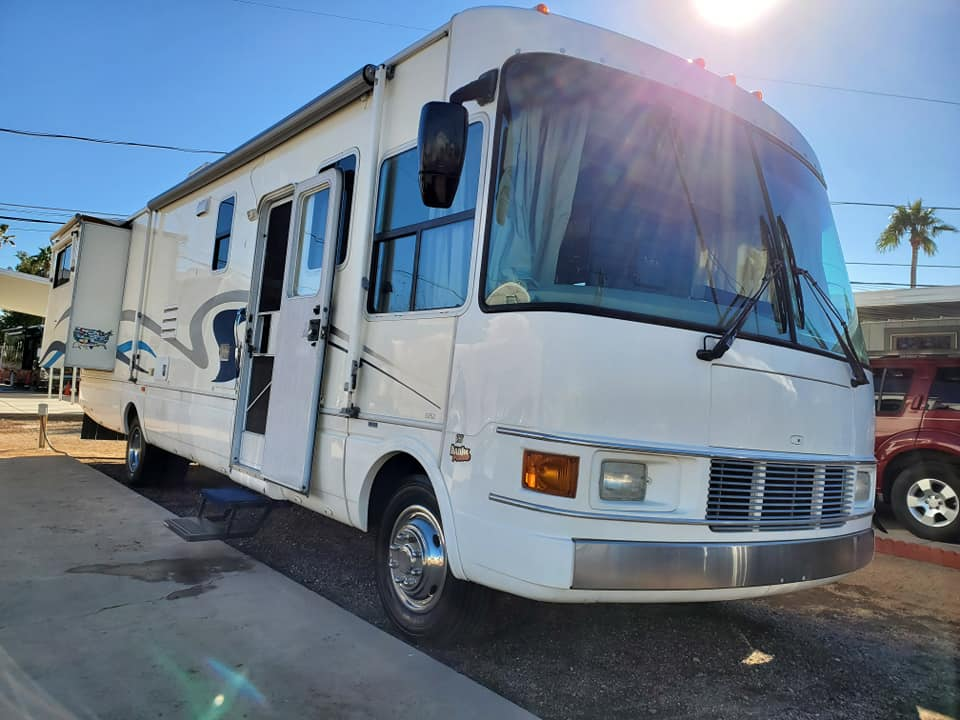 Mobile RV Cleaning